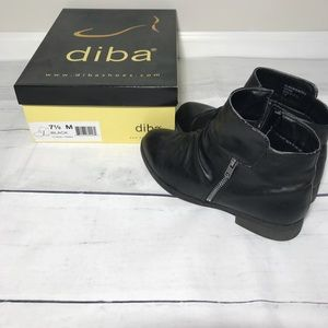 Diba Size 7.5 Black Booties